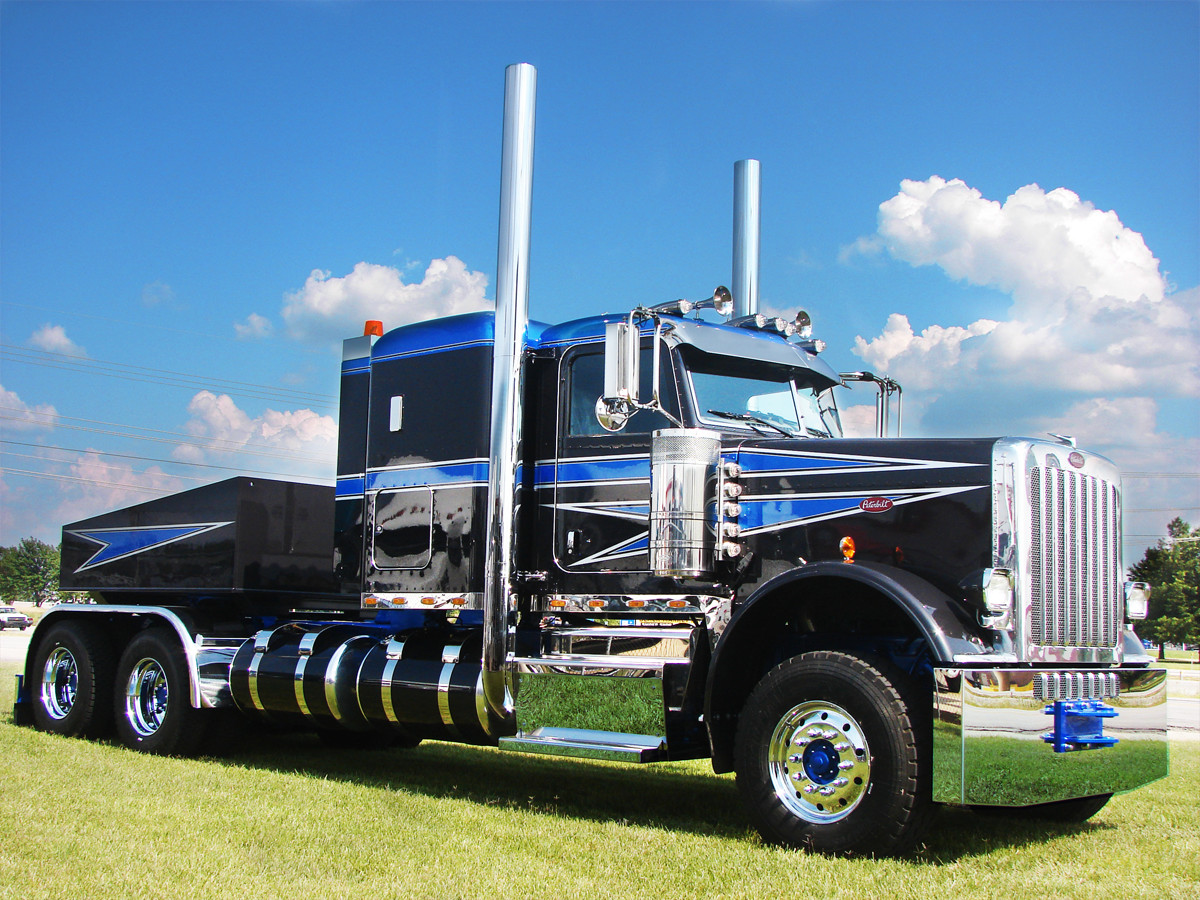 Custom Fabricated Heavy Duty Peterbilt Truck